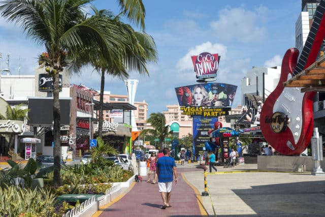 Clubs and restaurants in Cancun